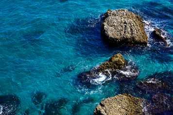 Formaciones rocosas mar Mediterráneo Balcón Europa Nerja Málaga