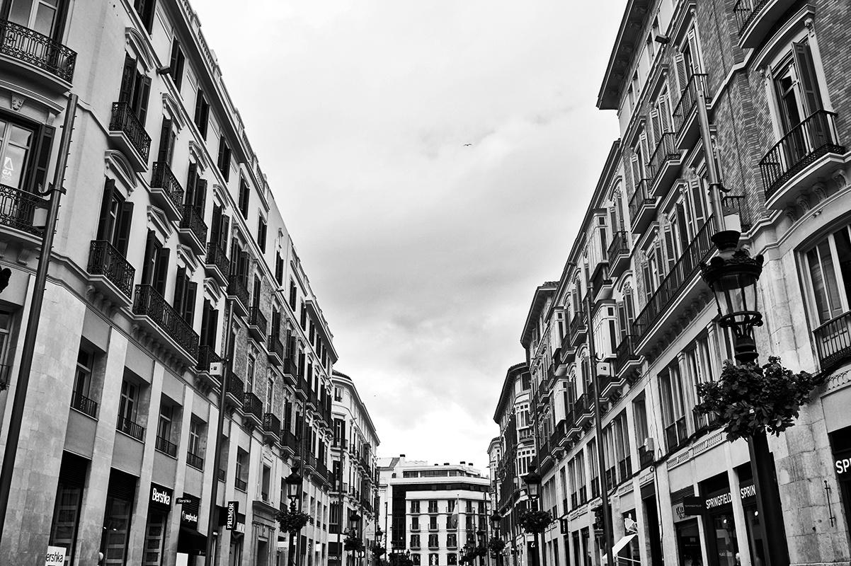 Panorámica cielo abierto Calle Marqués de Larios Málaga blanco y negro