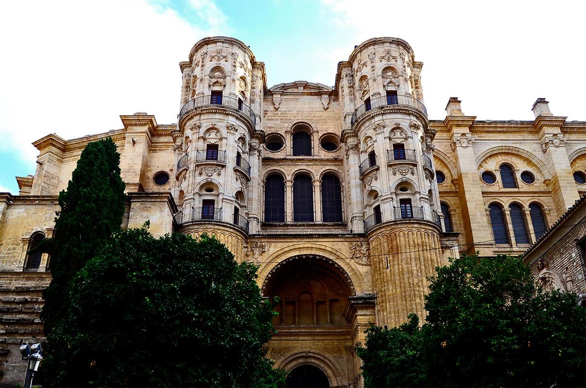 Fachada imponente Catedral de Santa María de la Encarnación centro Málaga imagen