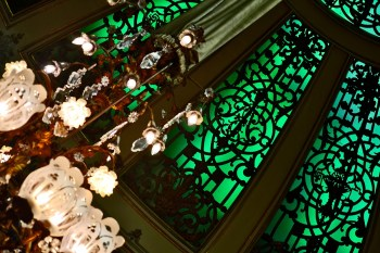 Lámpara araña vidrieras verdes Casino Baden Baden