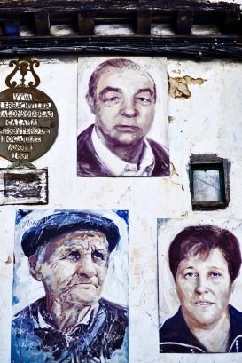 Retratos vecinos ancianos Mogarraz fachadas Sierra de Francia Salamanca
