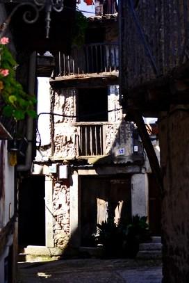 Calle contraluz rincón Mogarraz Salamanca