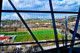 Ventanales campo futbol autopista Stuttgart