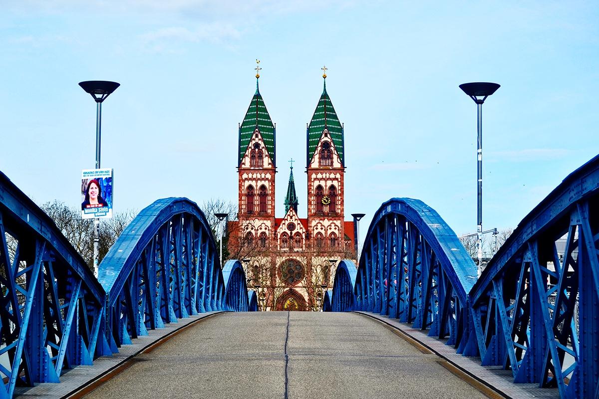 Puente Iglesia Sagrado Corazón de Jesús Friburgo