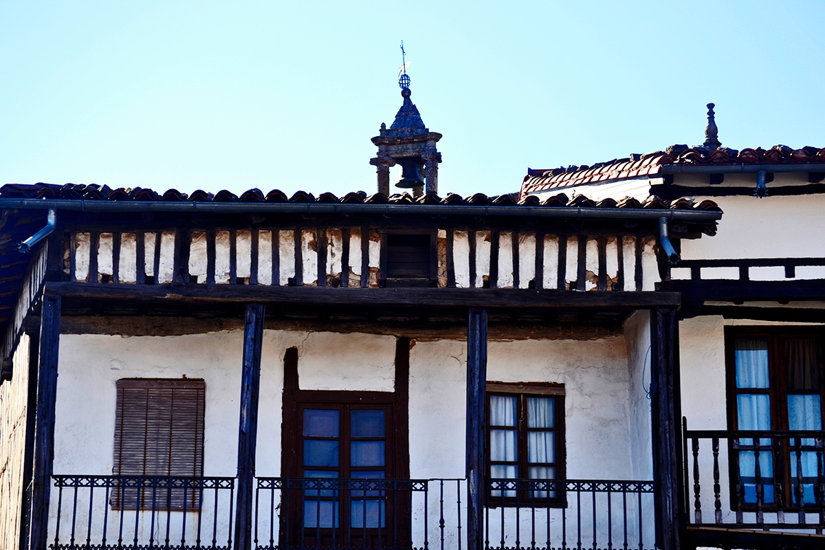 Contrafuertes vivienda madera La Alberca