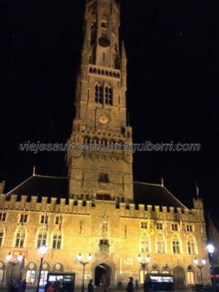 Belfort, por la noche, desde la Grote Markt