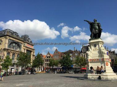 Plaza Vrijdagmarkt