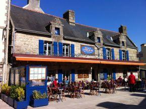plaza de la ciudadela, antiguo patio de armas, hoy llena de terrazas y restaurantes