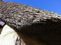 aquí, como en Kercanic y Kerascoët, las techumbres son de paja