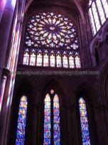 espectacular rosetón y vidrieras de la Catedral