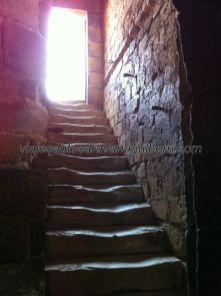 escalera de acceso a las terrazas superiores del castillo, subimos hacia lo más alto