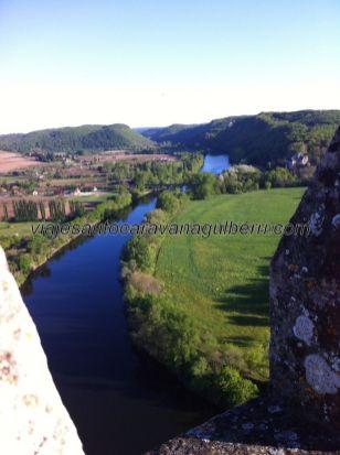 la misma vista de la primera foto, pero desde arriba, desde las almenas de la terraza superior