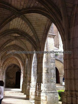 arcadas interiores del claustro