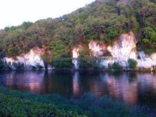reflejos brujos sobre el Dordogne al atardecer