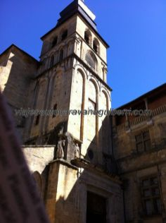 Catedral de Saint Sacerdos, desde la Casa de la Boitie