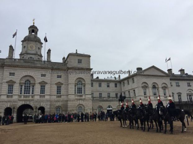 Cambio guardia Whitehall