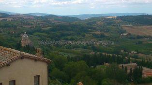 vista parcial del Santuario de San Biaggio (abajo izquierda)