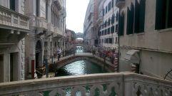 los turistas invaden pontes y recovecos del archipiélago veneziano