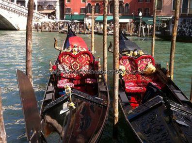 las preciosas góndolas!! símbolo inigualable de Venezia