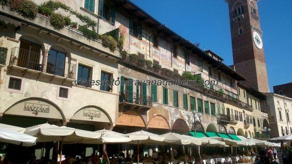 terrazas en Piazza Erbe, solera por doquier
