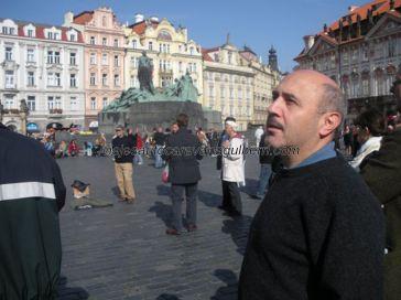 monumento a Jan Hus en la Plaza de la Ciudad Vieja