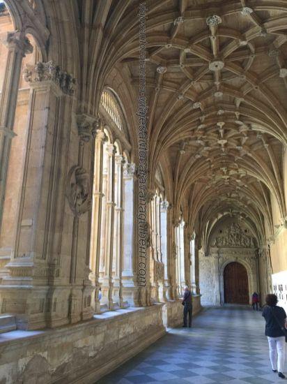 arcada interior claustro Convento San Esteban