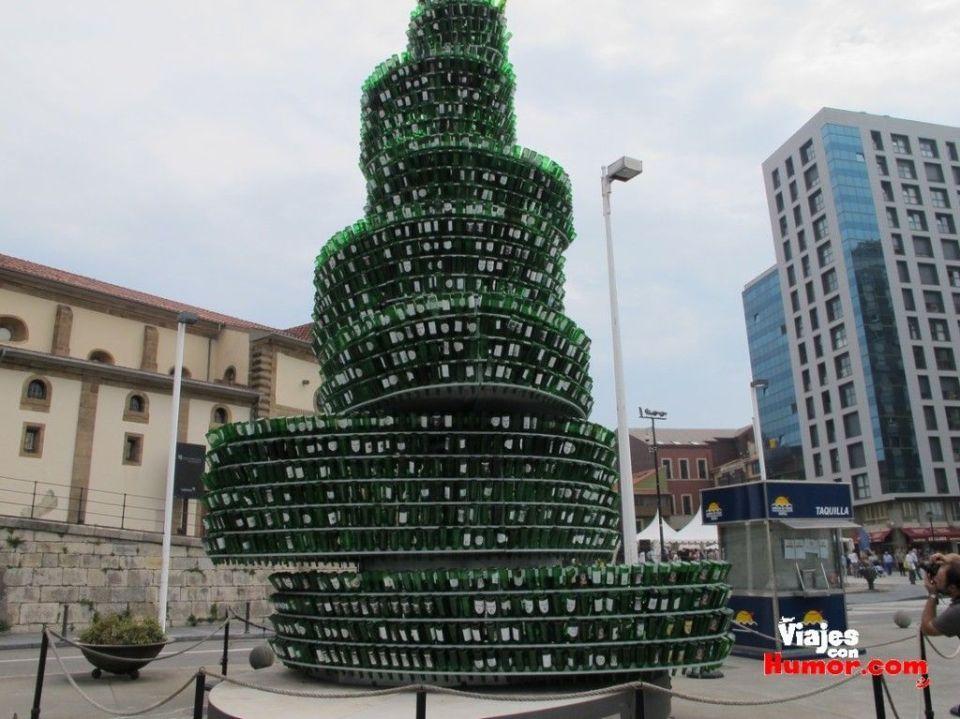 arbol de navidad de botellas de sidra