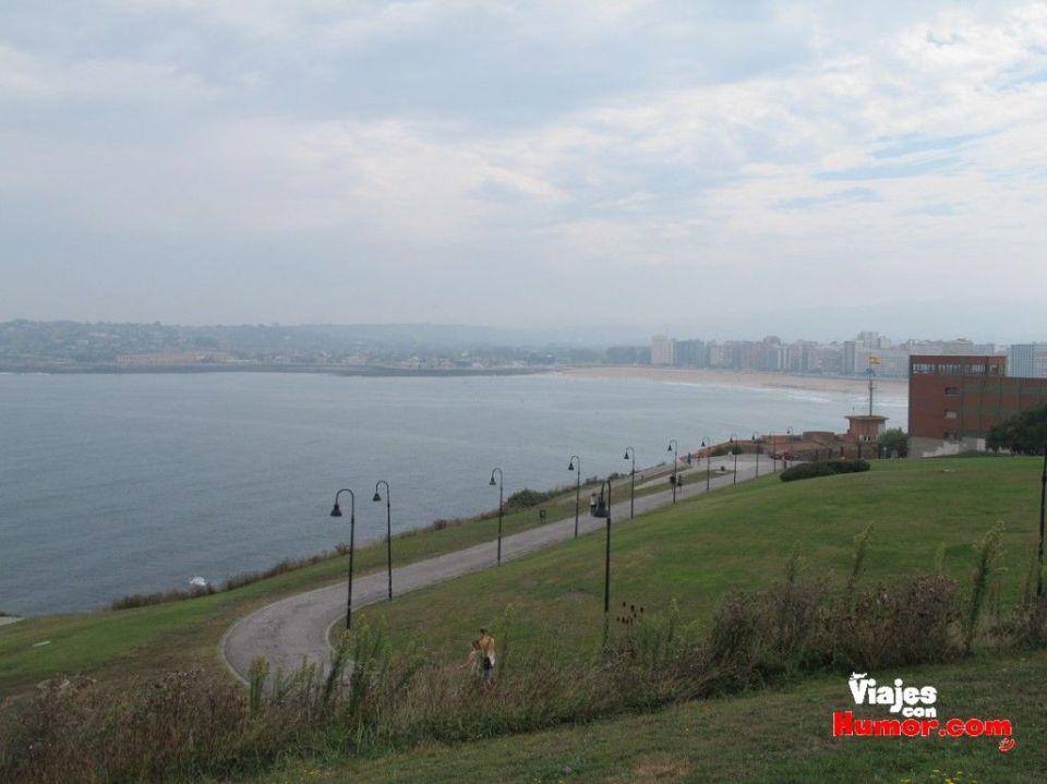 vistas desde el cerro de santa catalina gijon