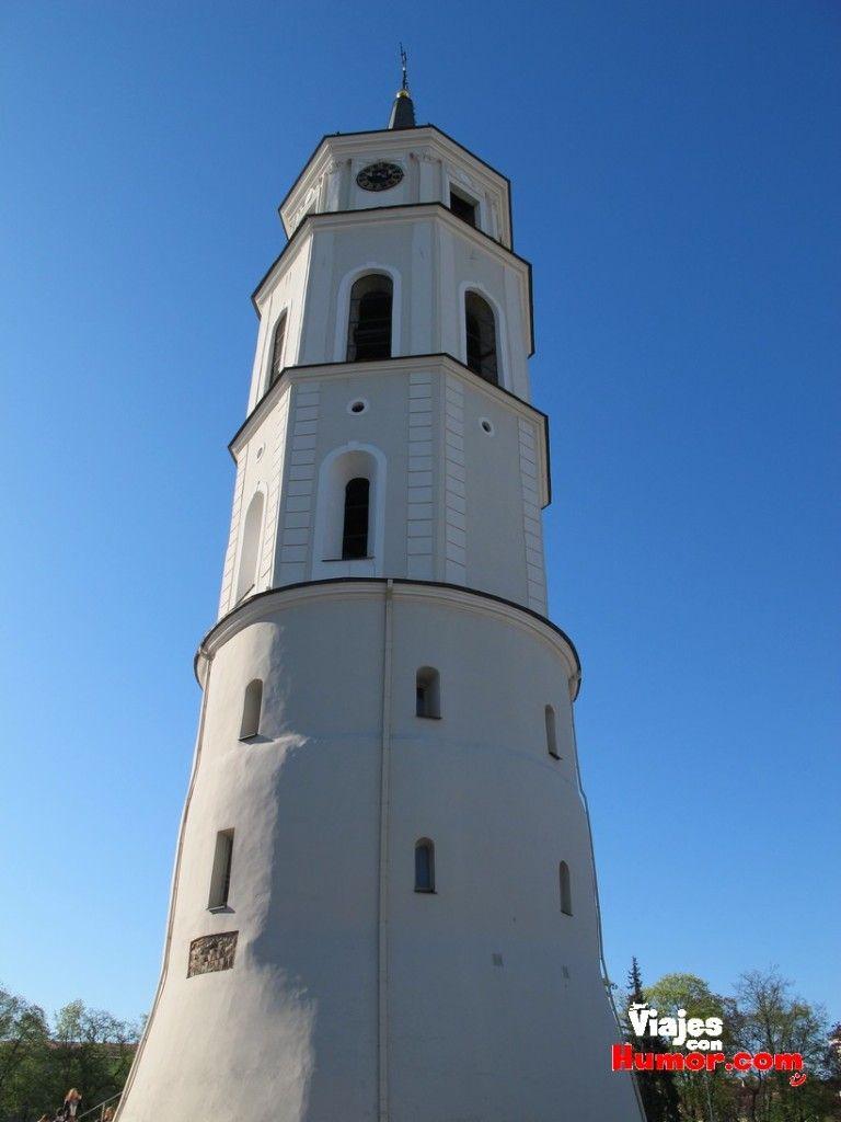 campanario Basílica Catedral de San Estanislao y San Ladislao vilnius Lituania