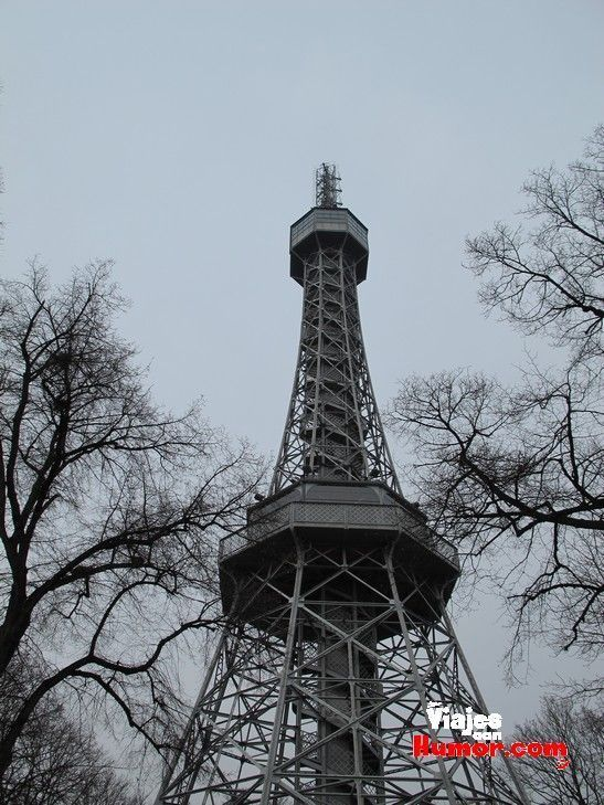 torre petrin praga