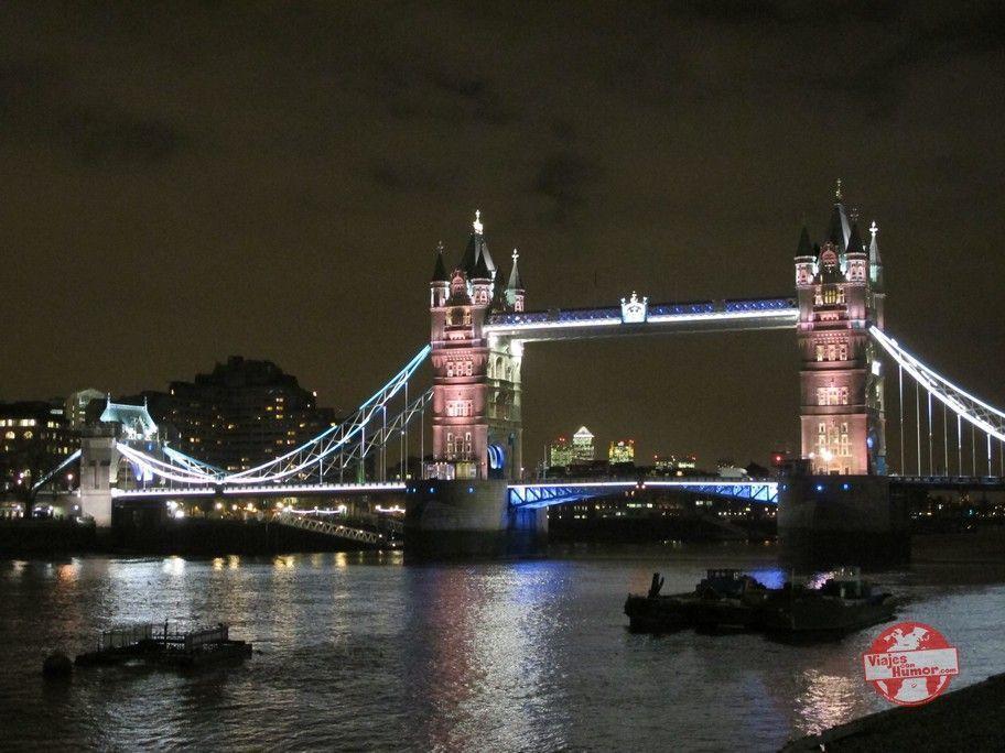 vistas nocturnas del puente de la torre en londres