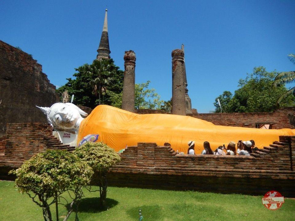 buda tumbado wat Yai Chai Mang Khon