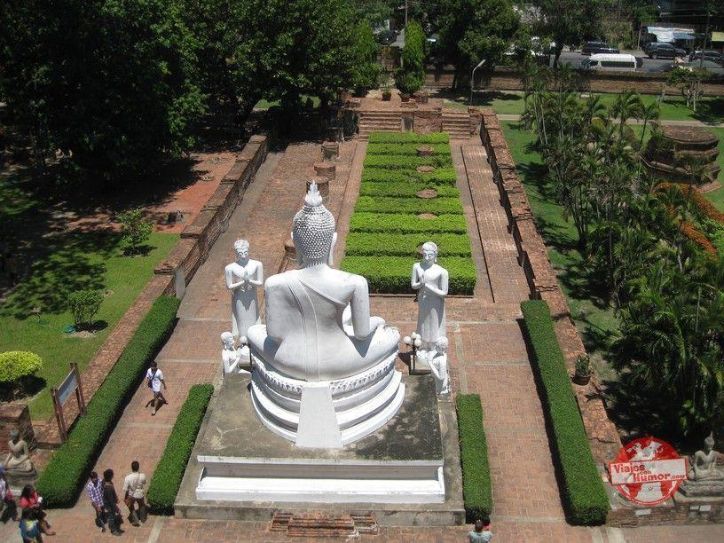 wat Yai Chai Mang Khon vistas jardines