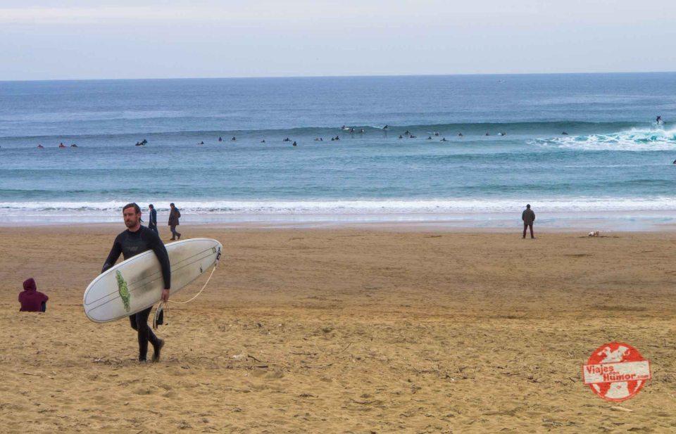 surfer en san sebastian