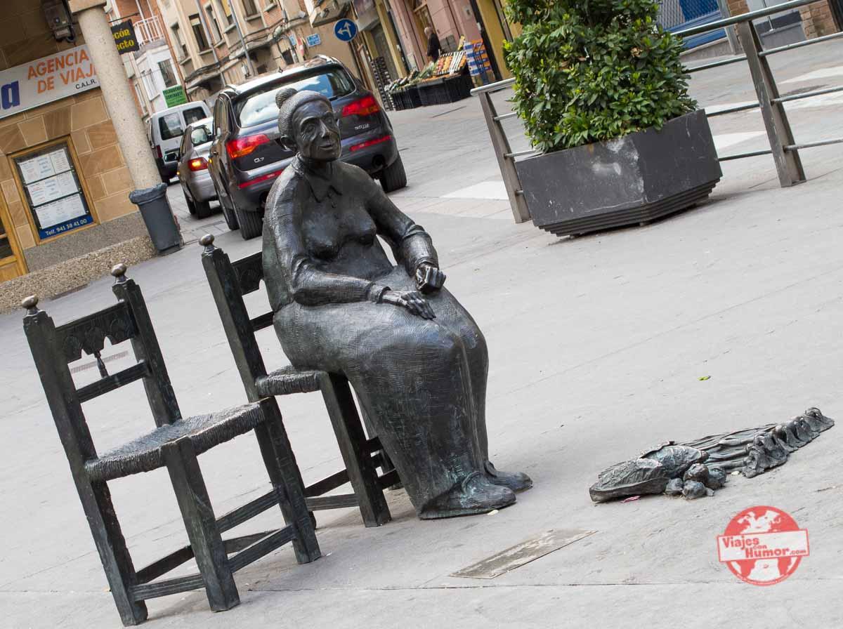 escultura vendedora de ajos