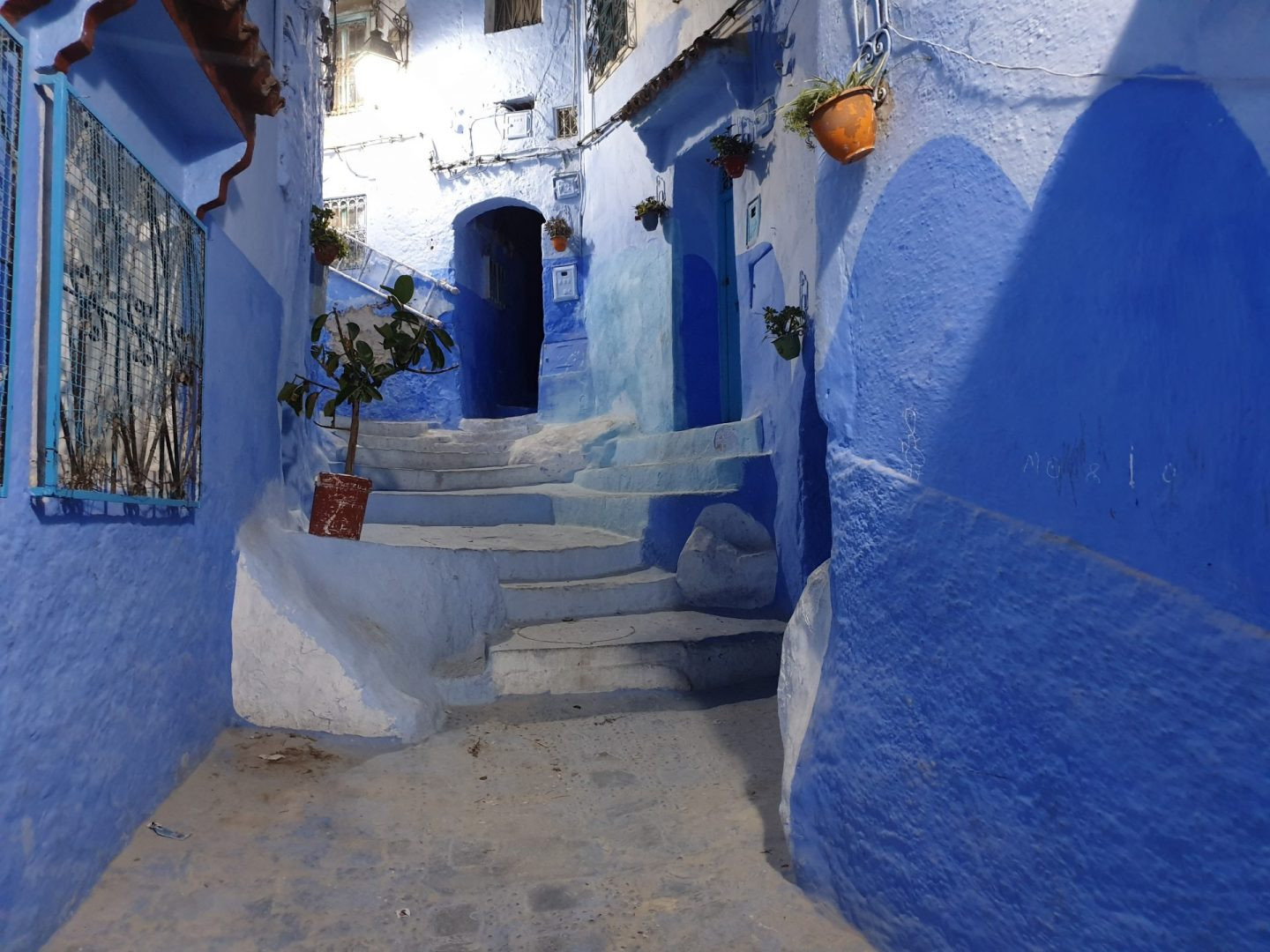 VIDEO: CHEFCHAOUEN (MARRUECOS) BLANCO Y AZUL