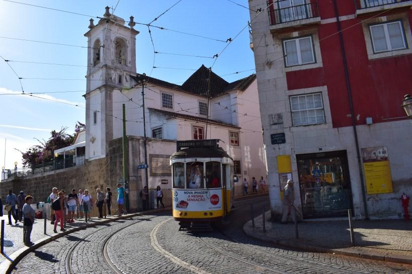 Largo Portas do Sol, Alfama. Lisboa (Portugal)