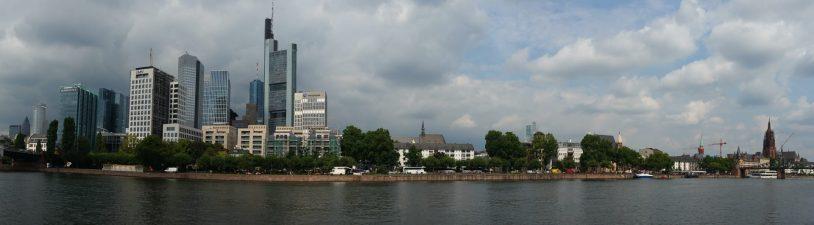 Vistas desde el río Main. Frankfurt (Alemania)