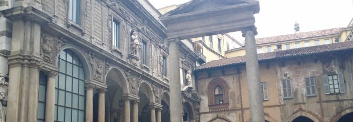 Piazza dei Mercanti. Milán (Italia).