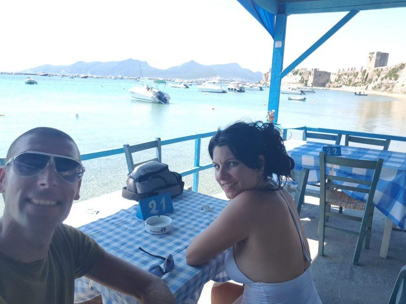 La isla de Sapienzta, en la bahía de Modona vista desde Methoni (Grecia)