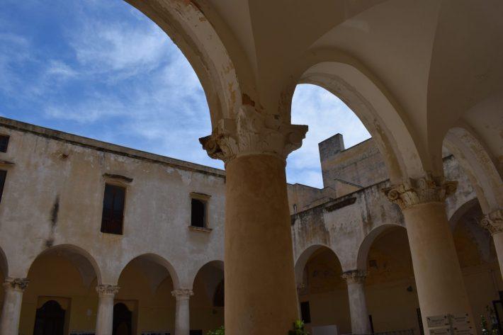 Claustro de los Dominicos, Gallipoli, Puglia (Italia)