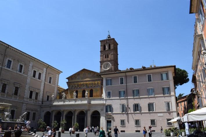 Piazza di Santa María,El Trastévere, Roma (Italia)