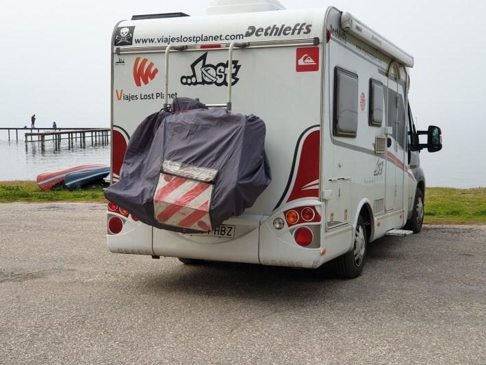 Area Camper con el lago, Iznik (Turquía)