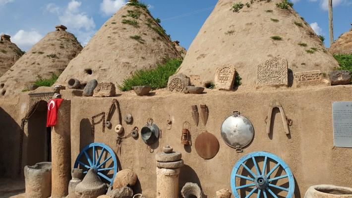 Casas colmena y el castillo al fondo, Harrán (Turquía)