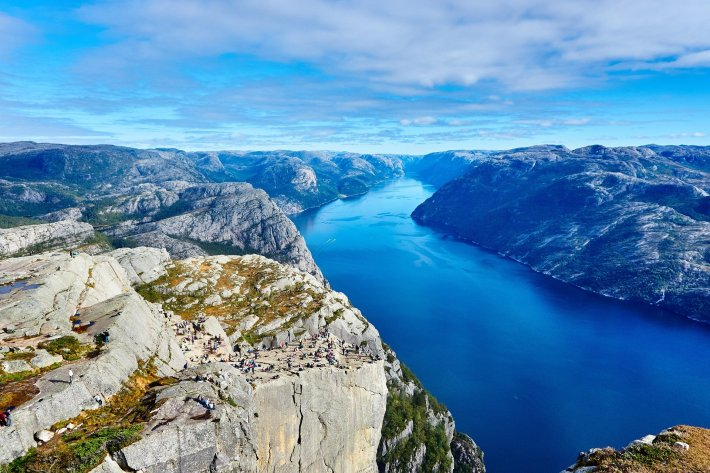 fjord-984130_1920