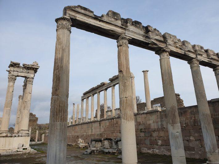 Templo de Trajano, Acrópolis de Pérgamo, Bergama (Turquía)