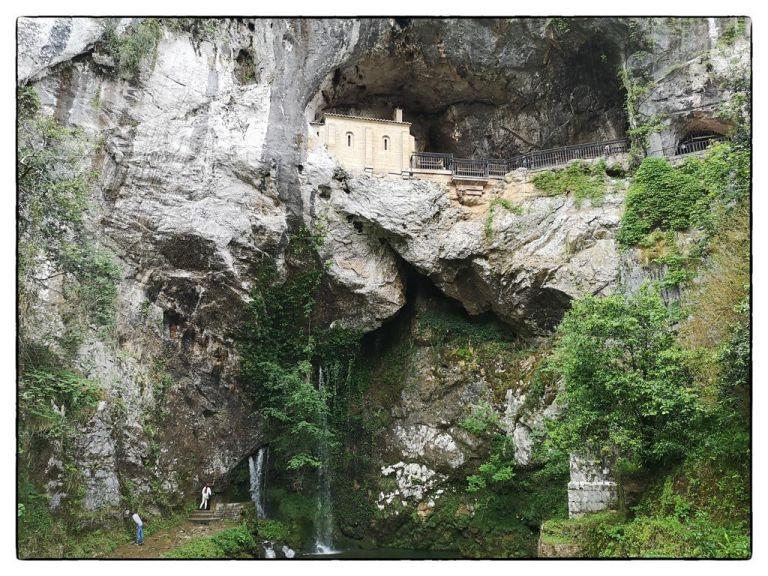 cueva-de-covadonga