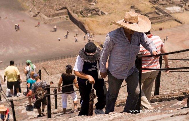 escalera-teotihuacan