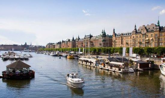 stockholm-canal-425068