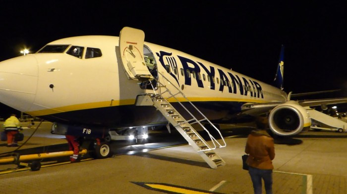 RyanAir Stansted 737-800 1